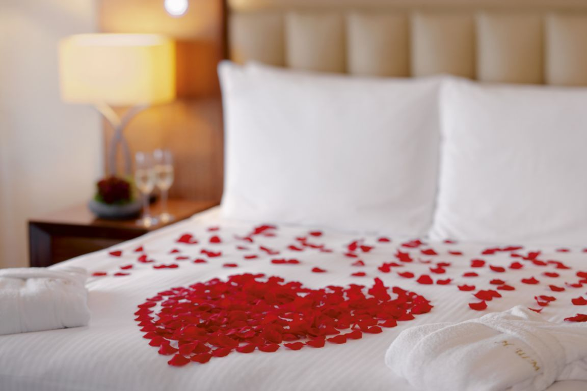 Bedroom decoration for wedding night - Spend Your Wedding Night At De Gaulle Boutique Hotel
