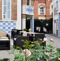 Открыта летняя площадка в De Gaulle Boutique Hotel